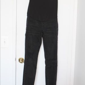 Madewell ripped black maternity jeans